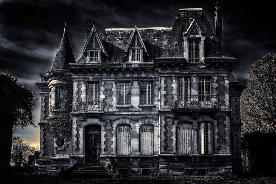 Villa De Vecchi la casa stregata di Cortenova