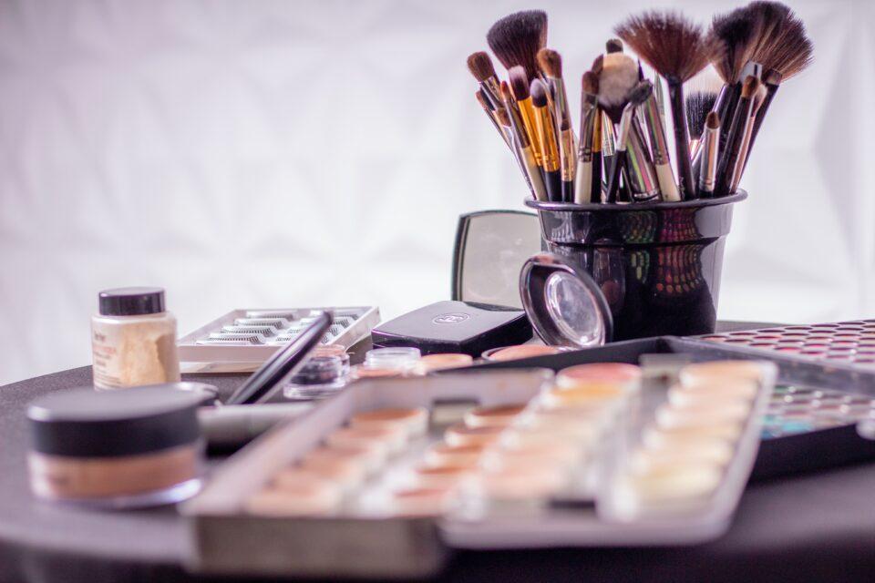 Pochi e semplici step per pulire i pennelli makeup